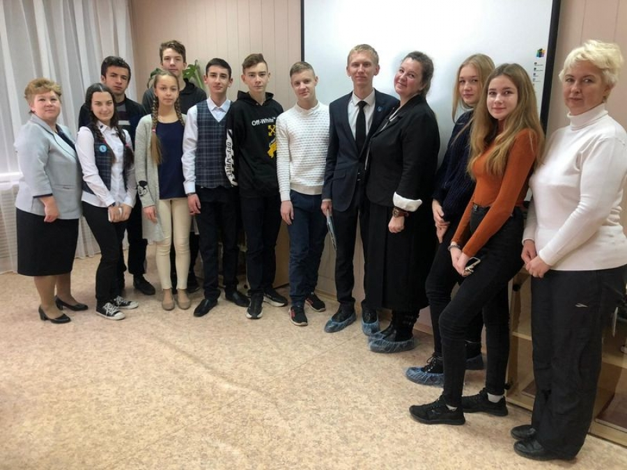 Круглый стол  с молодежью «В единстве народа вся сила России»