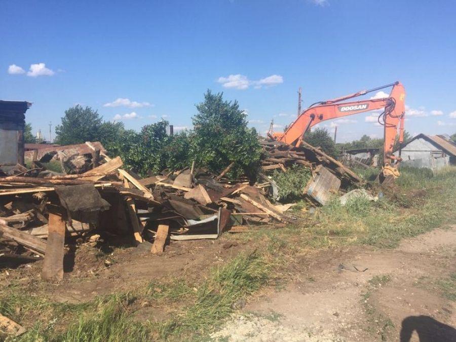 Подготовка территории в целях предоставления земельных участков  для строительства индивидуальных гаражей в р.п.Татищево