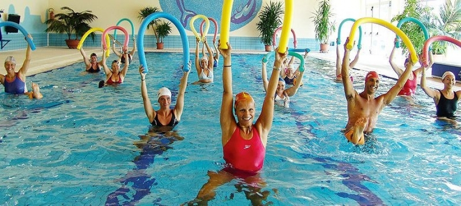 """В бассейне физкультурно-оздоровительного комплекса """"Энергия"""" начинаются занятия групп """"Аквааэробика"""""""