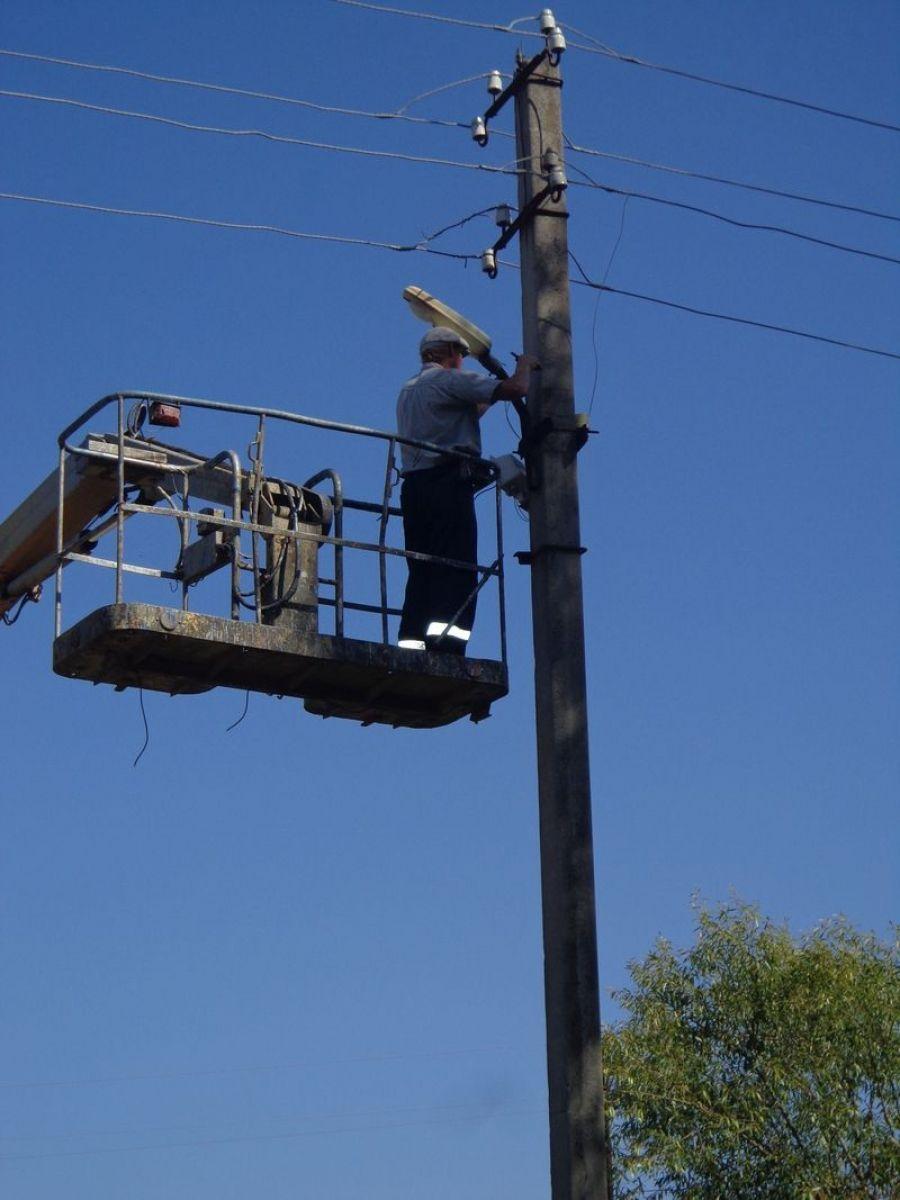 В селе Ягодная Поляна проведены работы по замене фонарей уличного освещения