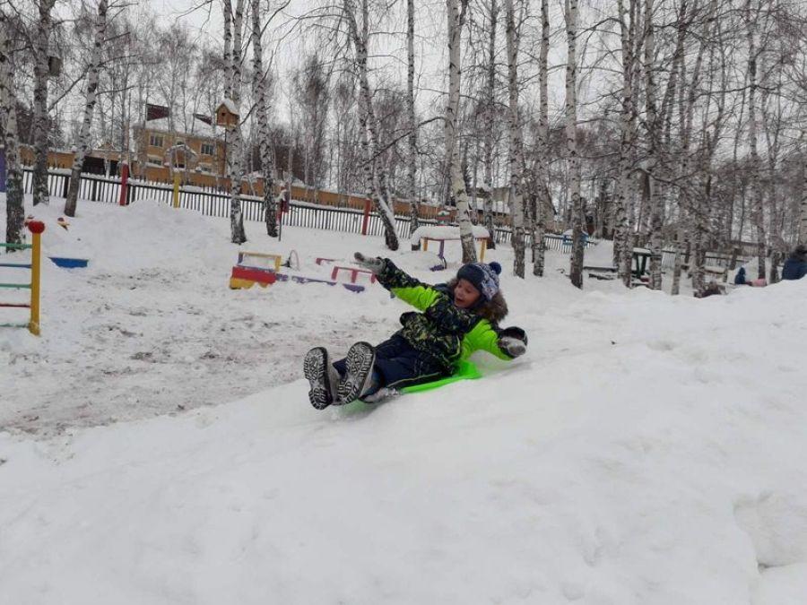 Снежные забавы в детском саду