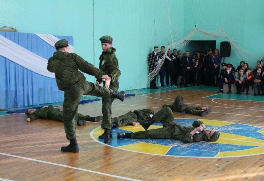 «А ну-ка, парни!», или чемпионы из Карамышской школы