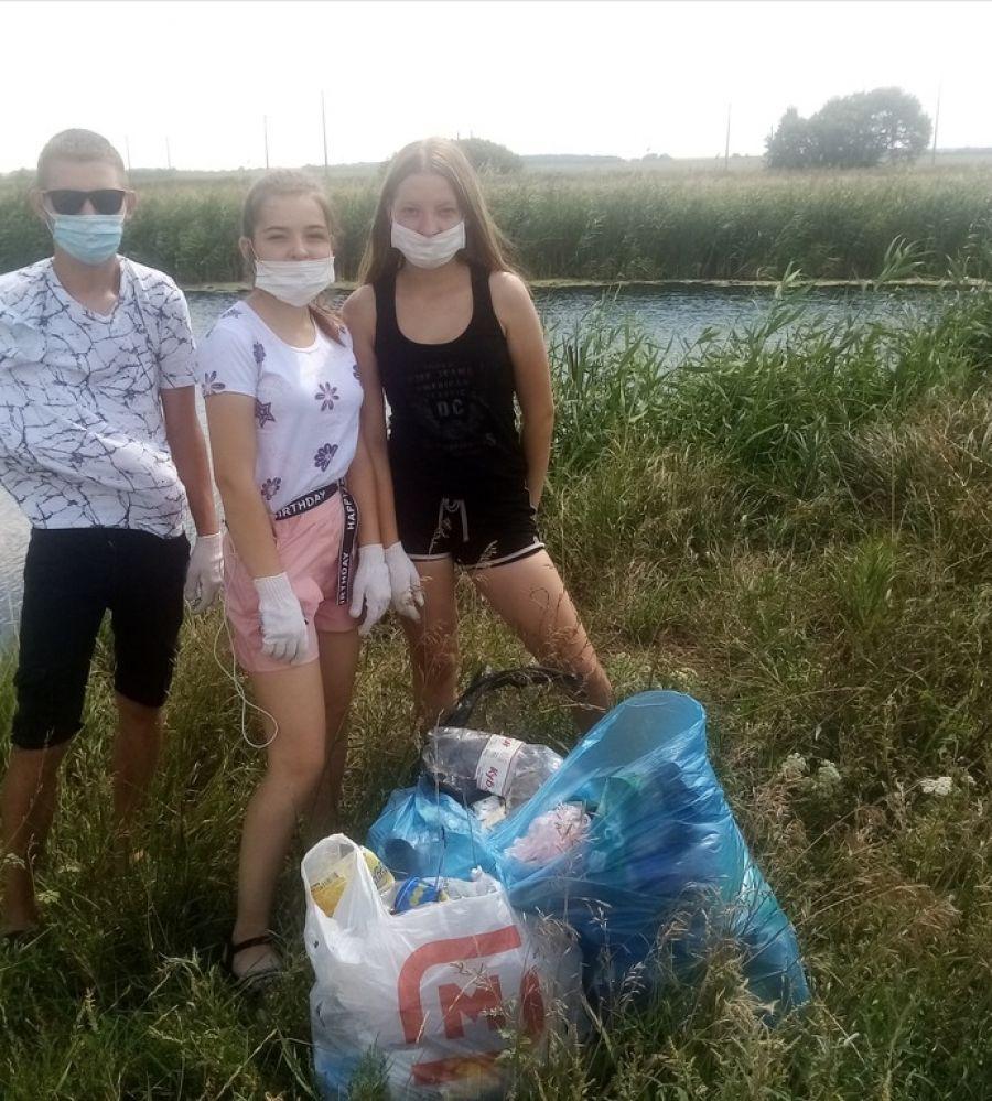 Совет молодежи Октябрьского МО принял участие в акции «Вода России»