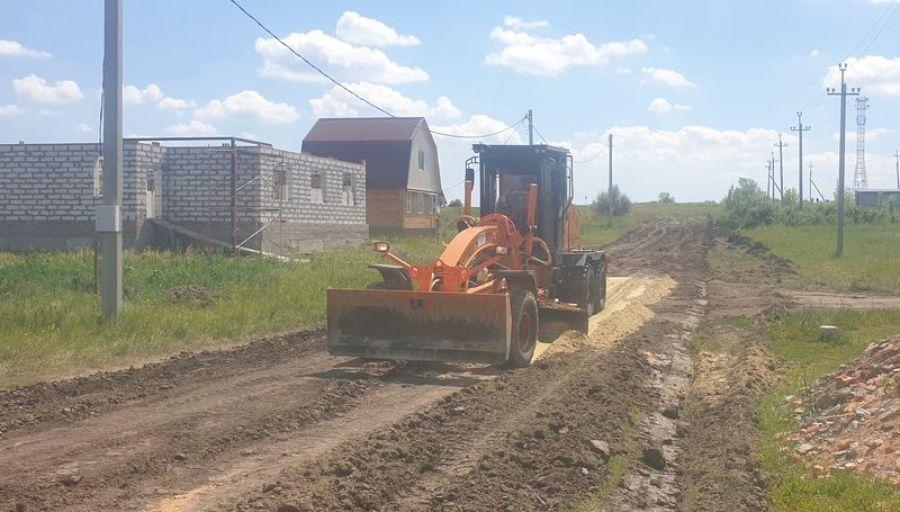 Дорожные работы в р.п.Татищево продолжаются