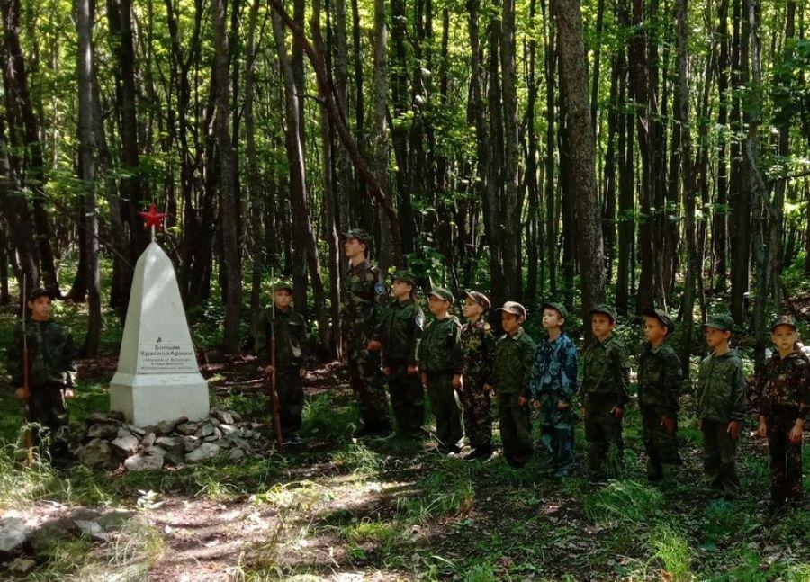 Обелиск в Ивановом лесу