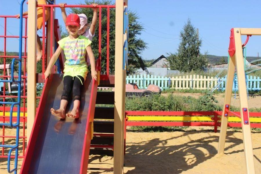 Досуговая площадка в школе села Широкое