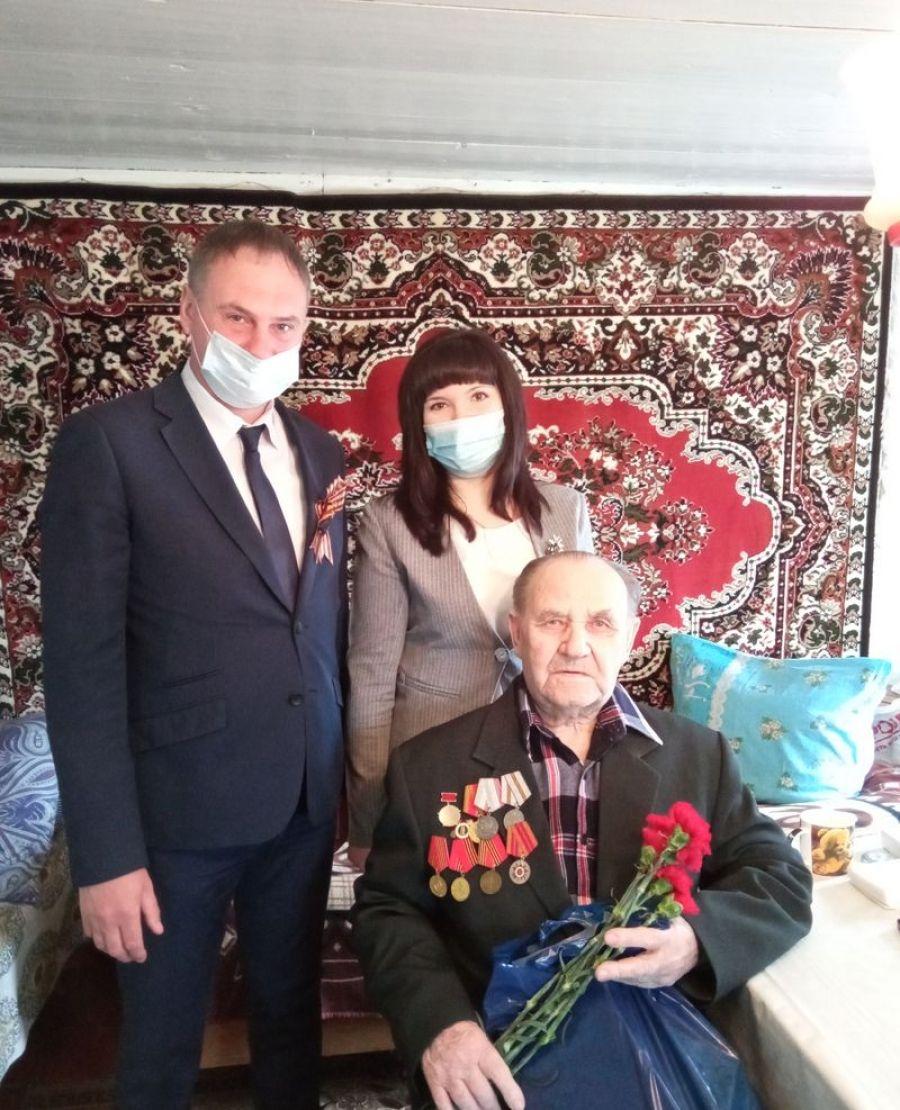 Поздравление ветерана в Вязовском муниципальном образовании