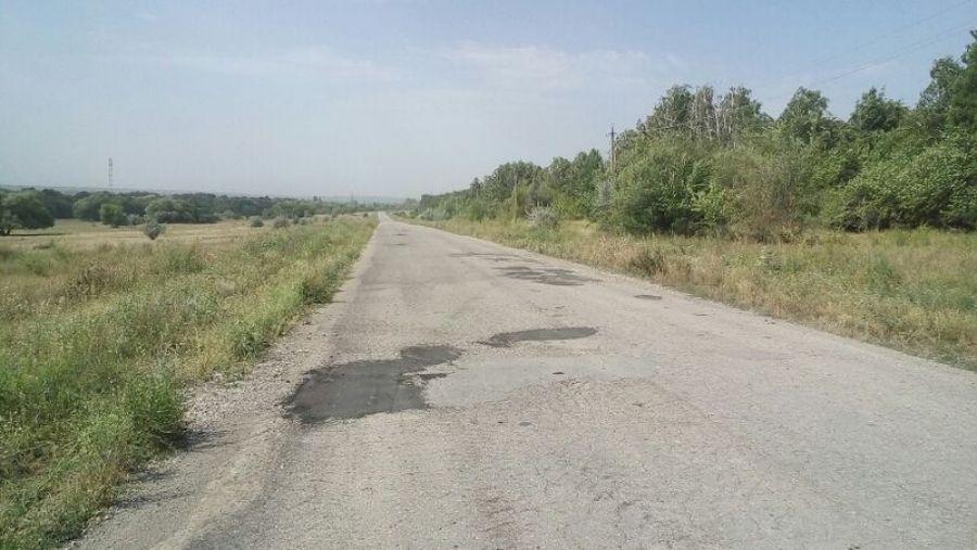 В Вязовском МО продолжается ямочный ремонт дорог