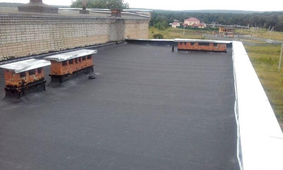 В Вязовском СДК завершены работы по ремонту мягкой кровли здания
