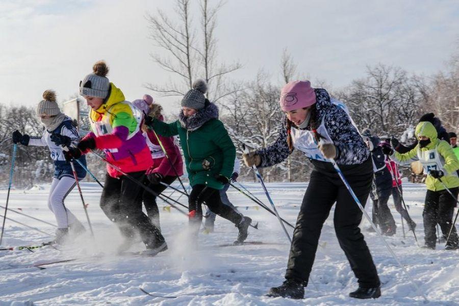 На лыжи становись! Здоровьем зарядись!