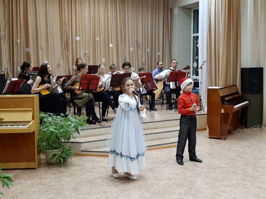 Новогодний музыкальный огонёк в Детской школе искусств