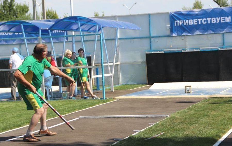 Соревнования по русской лапте и городошному спорту