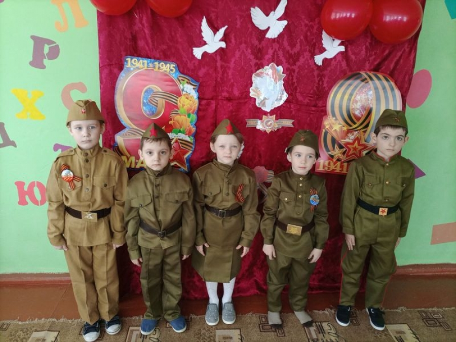 Музыкальное занятие в детском саду  «Песни и мелодии военных лет»