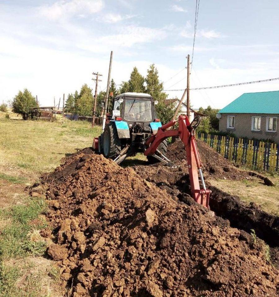 Замена водопровода в деревне Македоновка