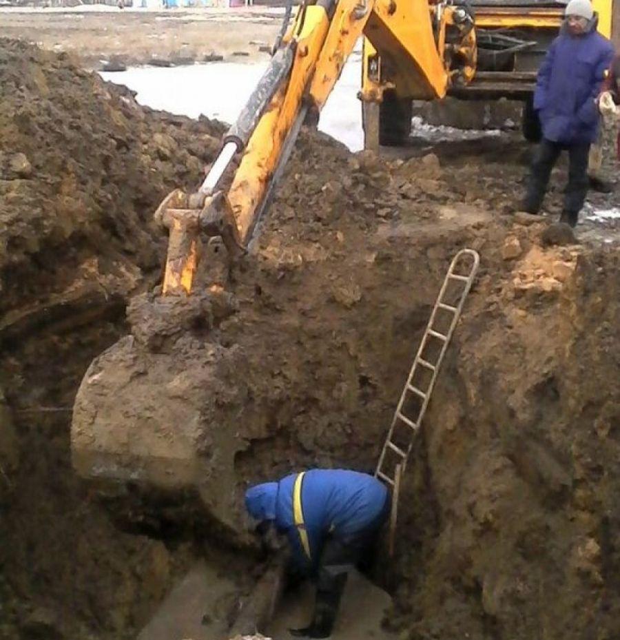 Устранение аварии на центральном водоводе в с.Сторожевка