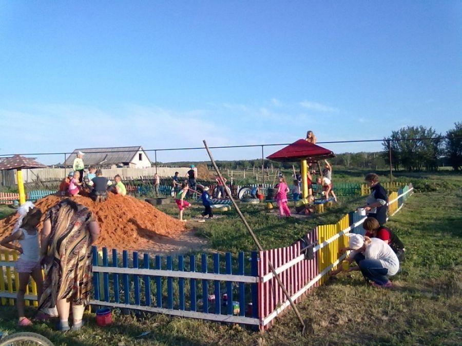 Детская площадка на радость взрослым и детям