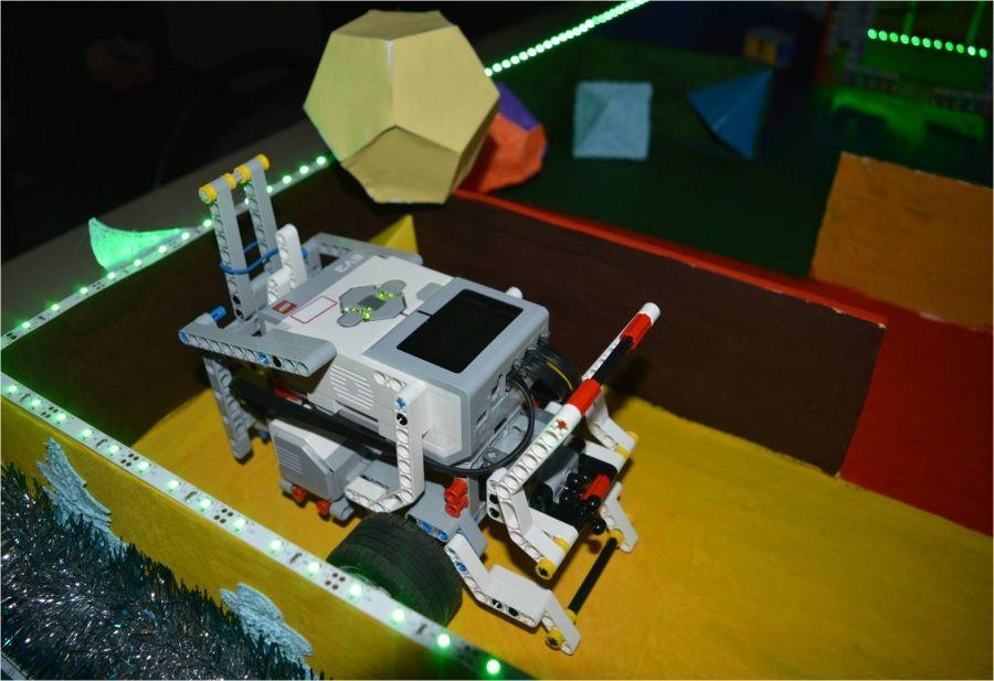 Первые испытания лабиринта для робота