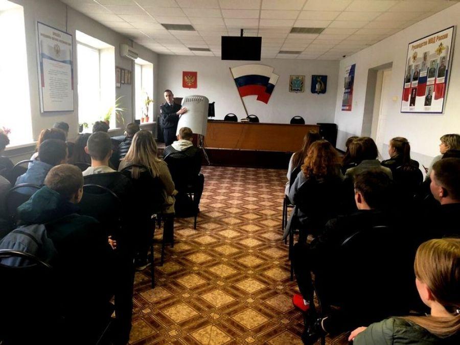 В отделе МВД РФ по Татищевскому району прошел день открытых дверей