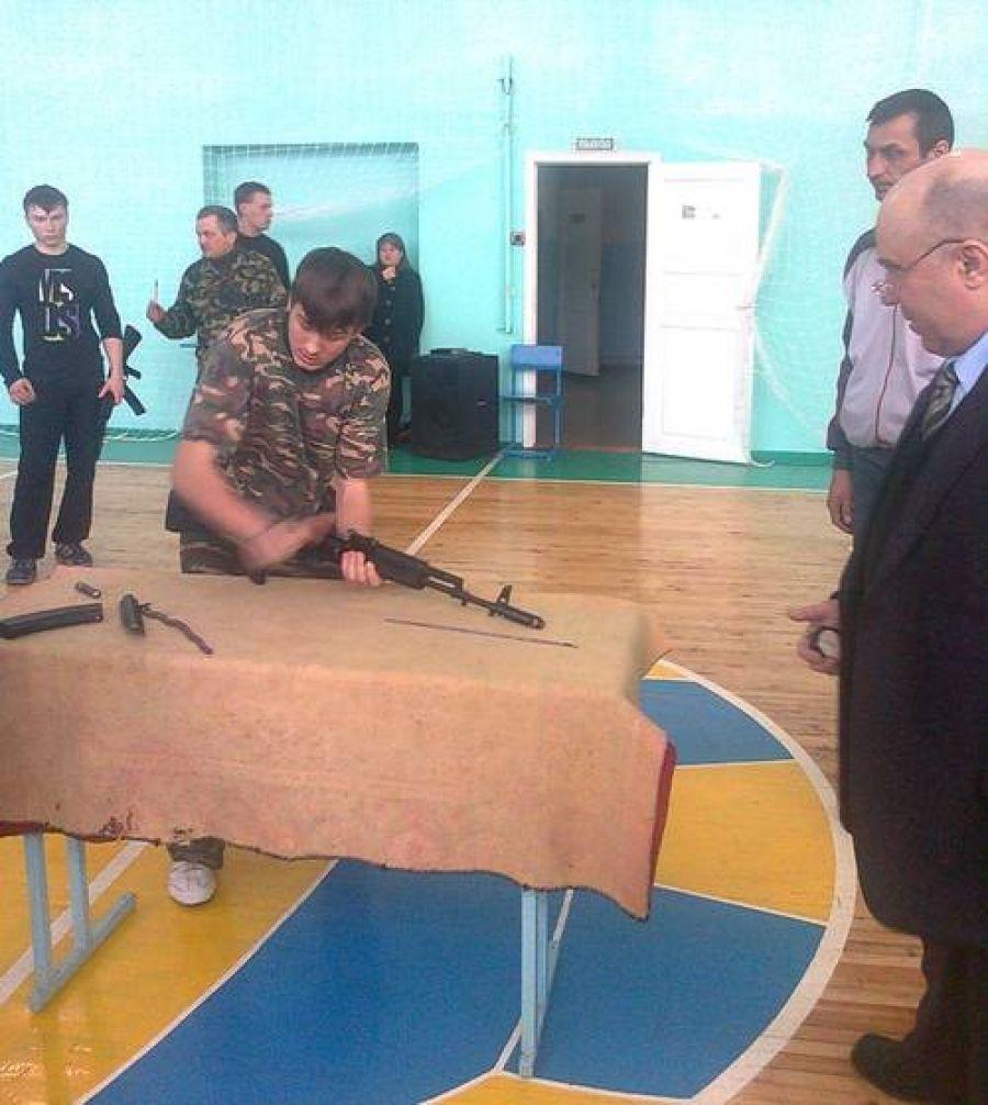 Муниципальный этап военно-спортивной игры «А ну-ка, парни!»