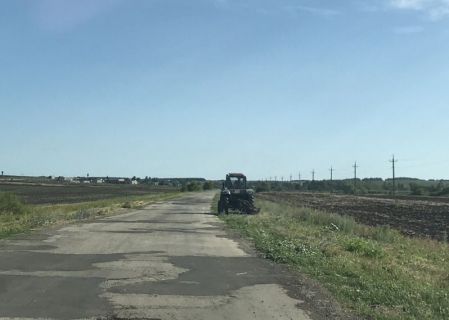 Окос дорог в Октябрьском муниципальном образовании