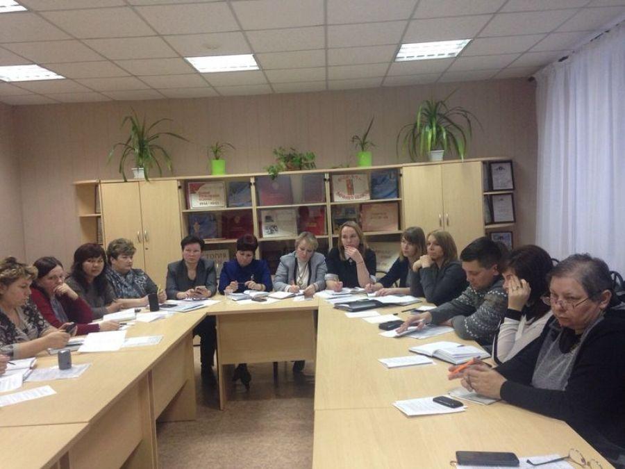Проведен обучающий семинар с руководителями образовательных учреждений района