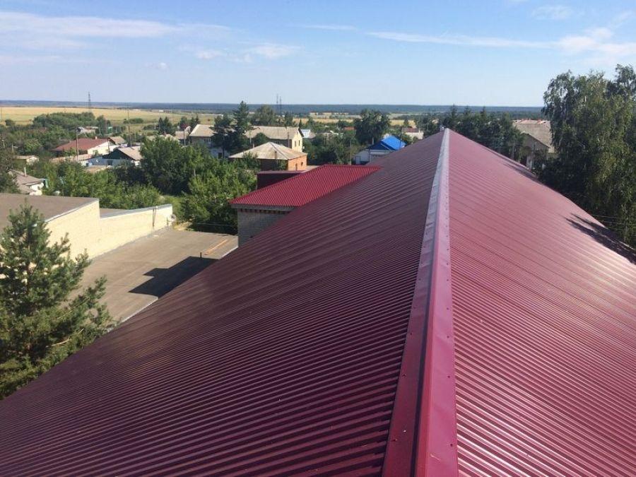 Завершены работы по ремонту скатной кровли здания школы п.Садовый