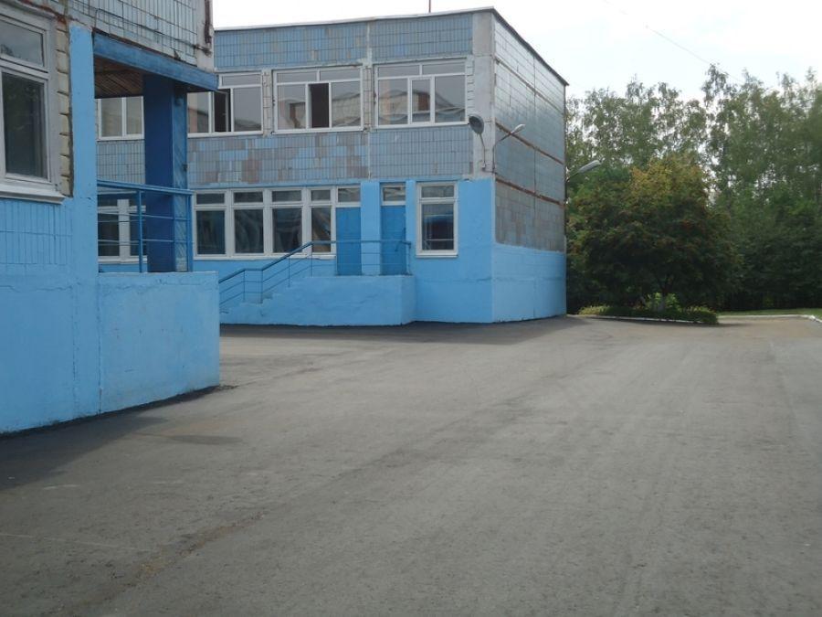 Благоустроенный школьный двор к новому учебному году