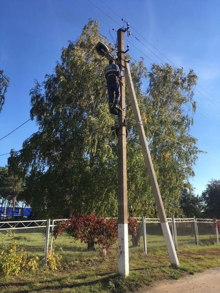Замена и ремонт фонарей уличного освещения в Садовском муниципальном образовании