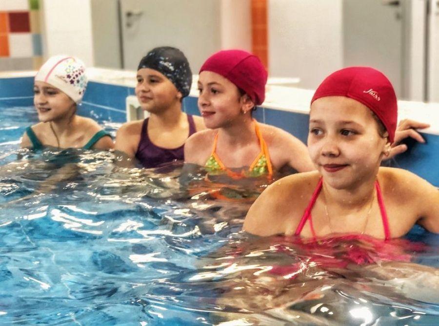 Татищевские лицеисты посетили бассейн